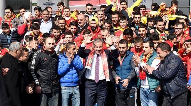 Başkan Çakır'dan Taraftara Otobüs Tahsis Edildi