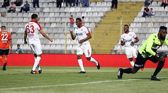 Antalyaspor'da Samuel Eto'o Hat-trick Yaptı