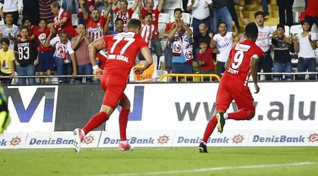 Antalyaspor Kritik Maçta Bursaspor'u Devirdi