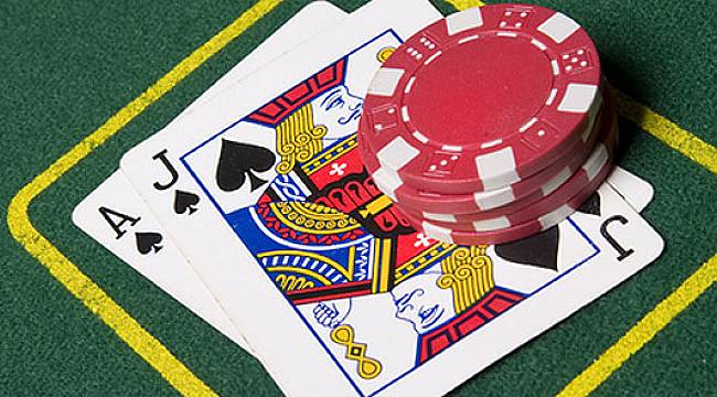 Canlı Blackjack İle Normal Blackjack Arasındaki Fark Nedir?