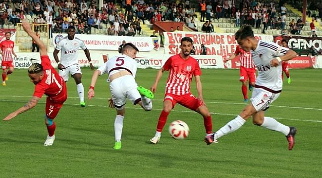 Elazığspor, Balıkesirspor'a Gol Oldu Yağdı
