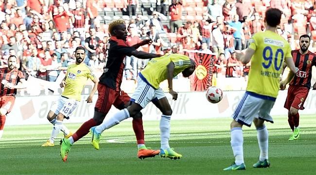 Eskişehirspor Süper Lig Hayalini Play-Off'a bıraktı