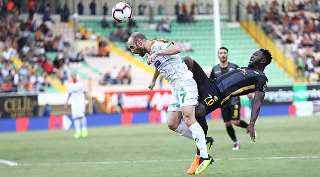 Yeni Malatyaspor Alanya'da 1 attı 3 aldı