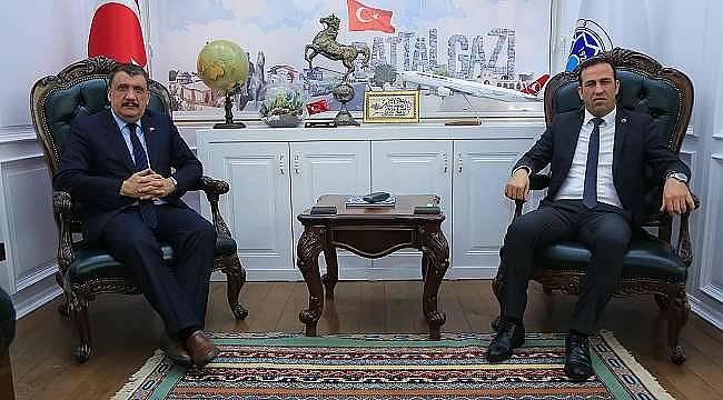 Başkan Gürkan Tehlikeyi Görmüyor!