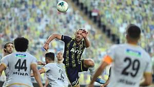Yeni Malatyaspor Maçı Fener'e İkram Etti!