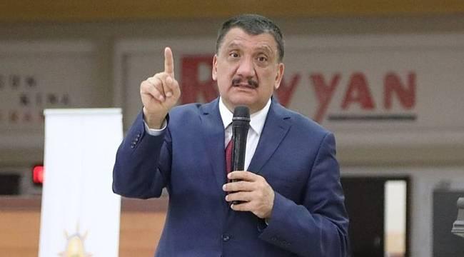 Başkan Gürkan, Adil Gevrek'in Kalemini Kırdı!